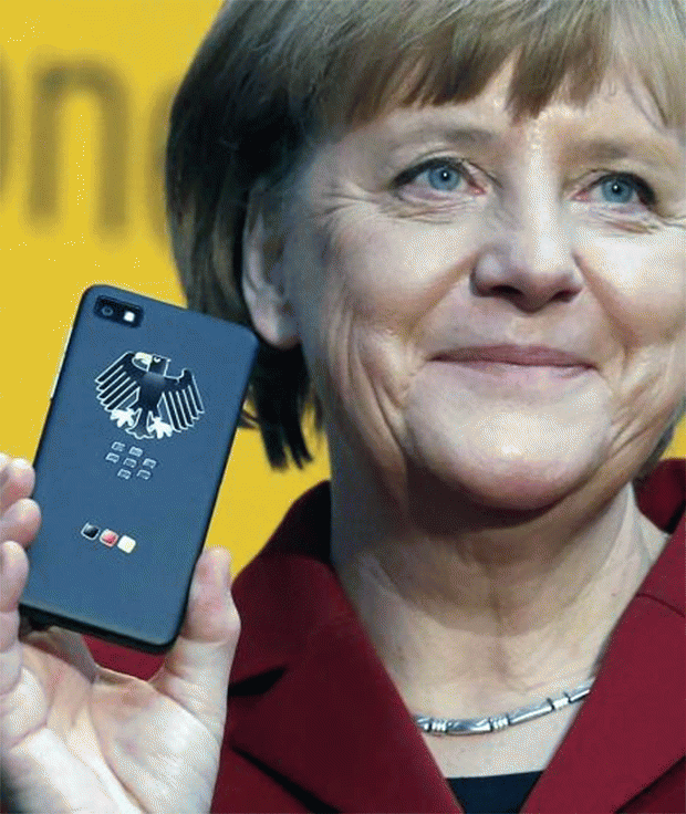 German-Chancellor-with-BlackBerry-Z10